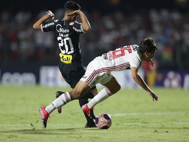 SPFC-Corinthians-polemica-penal_