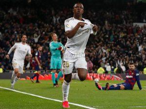 Vinicius Jr brilha contra Barça, Liverpool cai e Cityfatura título