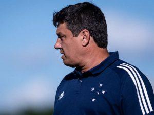 Cruzeiro demite Adilson Batista após derrota