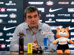 Por COVID-19, Andrés pede prioridade a Brasileiro e copas