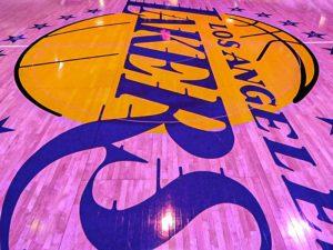 Jogadores de Lakers e Celtics testam positivo para coronavírus
