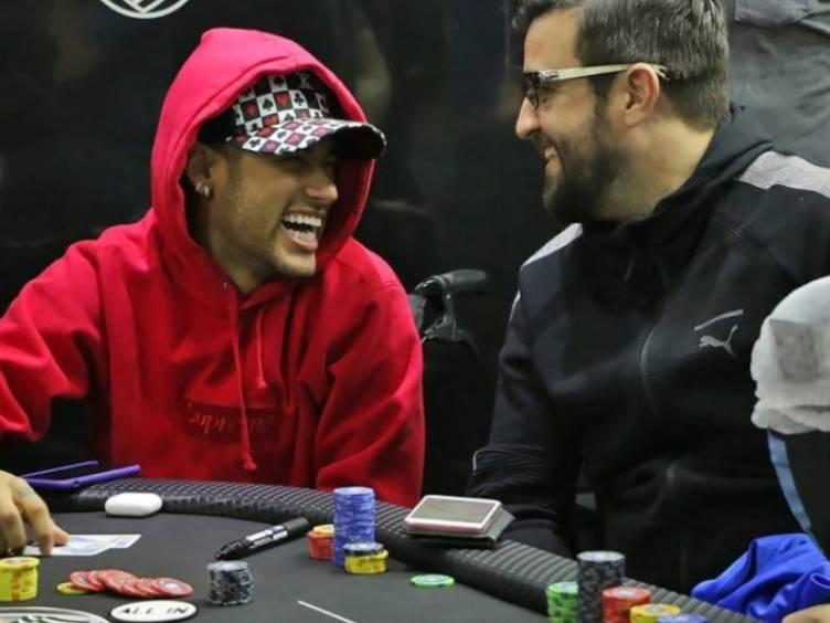 neymar-akkari-poker_reproducao