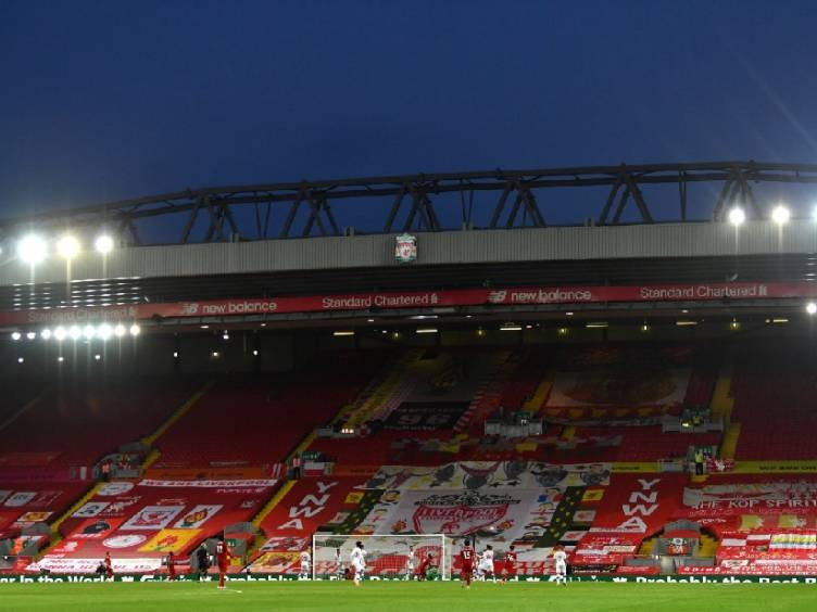 estádio do Liverpool, Anfield Road