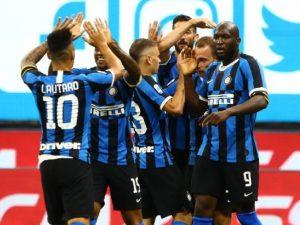Inter de Milão vence e fica a 6 pontos da Juve; líder joga hoje