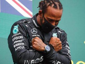 Pantera Negra: Hamilton vence GP belga e homenageia ator