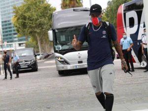 """Neymar agita web perto de PSG x Atalanta: """"Moicano feito"""""""