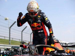 Verstappen impõe 1ª derrota à Mercedes no GP 70 anos