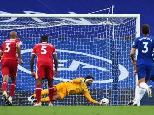Liverpool vence Chelsea; Real só empata e Juve estreia bem