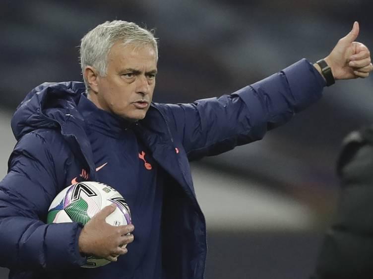 mourinho-tottenham-copadaliga-eliminou-chelsea_twitter-spurs
