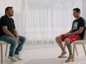 Messi diz que queria sair, mas anuncia que fica no Barcelona