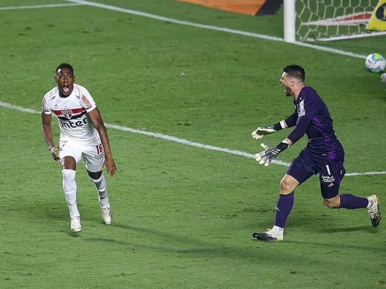 leopele-volpi-spfc-penaltis-copadobrasil_twitter-spfc