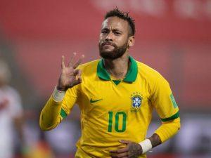 Neymar faz três, ultrapassa Ronaldo e Brasil faz 4 a 2 no Peru