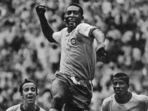 Pelé 80 anos: Rei tem média de 0,84 gol por jogo na Seleção