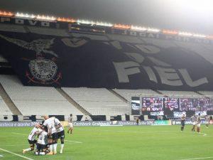 Veja os gols de Corinthians 5 x 0 Fluminense pelo Brasileirão