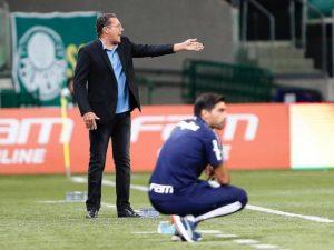 Com a cabeça na Libertadores, Santos e Palmeiras tropeçam