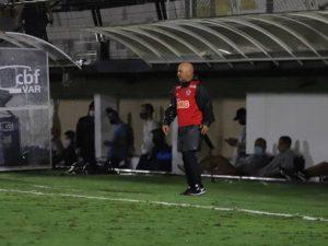 Atlético só empata e perde chance de colar no líder São Paulo