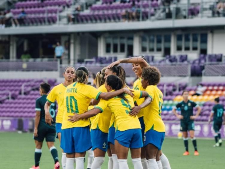 Seleção feminina goleia Argentina em torneio SheBelieves Cup de Orlando (EUA)