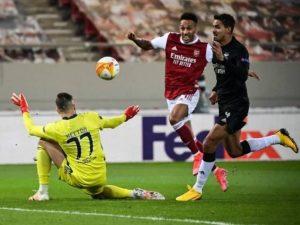 Arsenal elimina Benfica de Jorge Jesus. Veja mais classificados