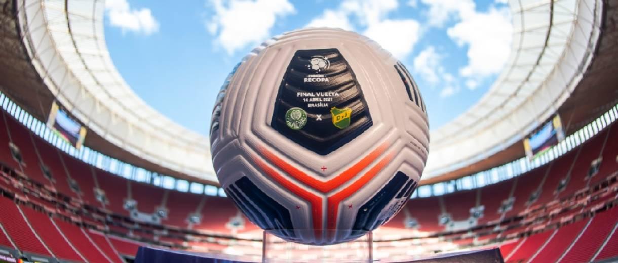 destaque-bola-palmeiras-defensa-recopa-sul-americana2021-divulgacao