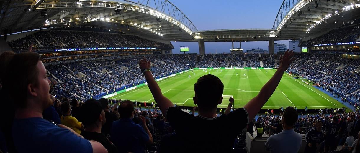destasque-torcedor-do-chelsea-comemora-gol-final-champions2021-divulgacao