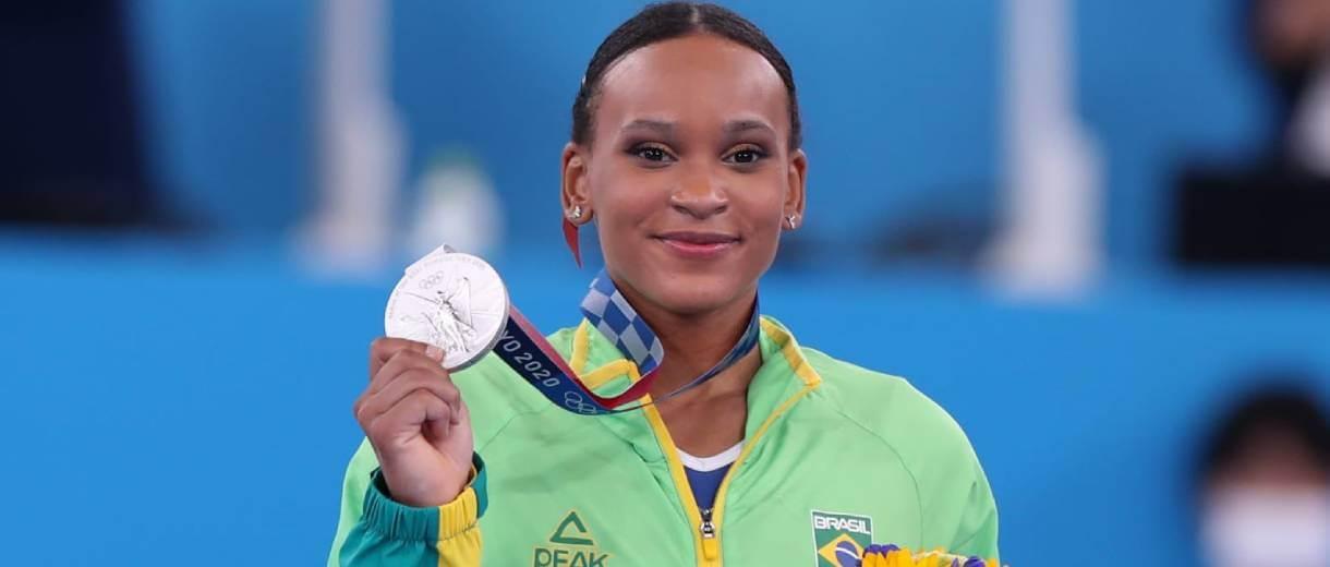 rebeca-andrade-medalha-de-prata-ginastica-artistica-toquio-2020