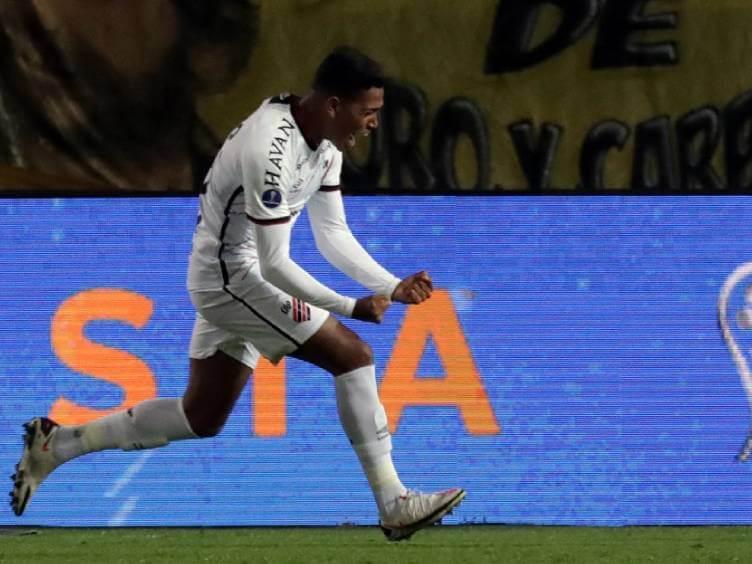 pedro rocha marcou o gol da vitória na ida das semifinais contra peñarol pela sul-americana 2021